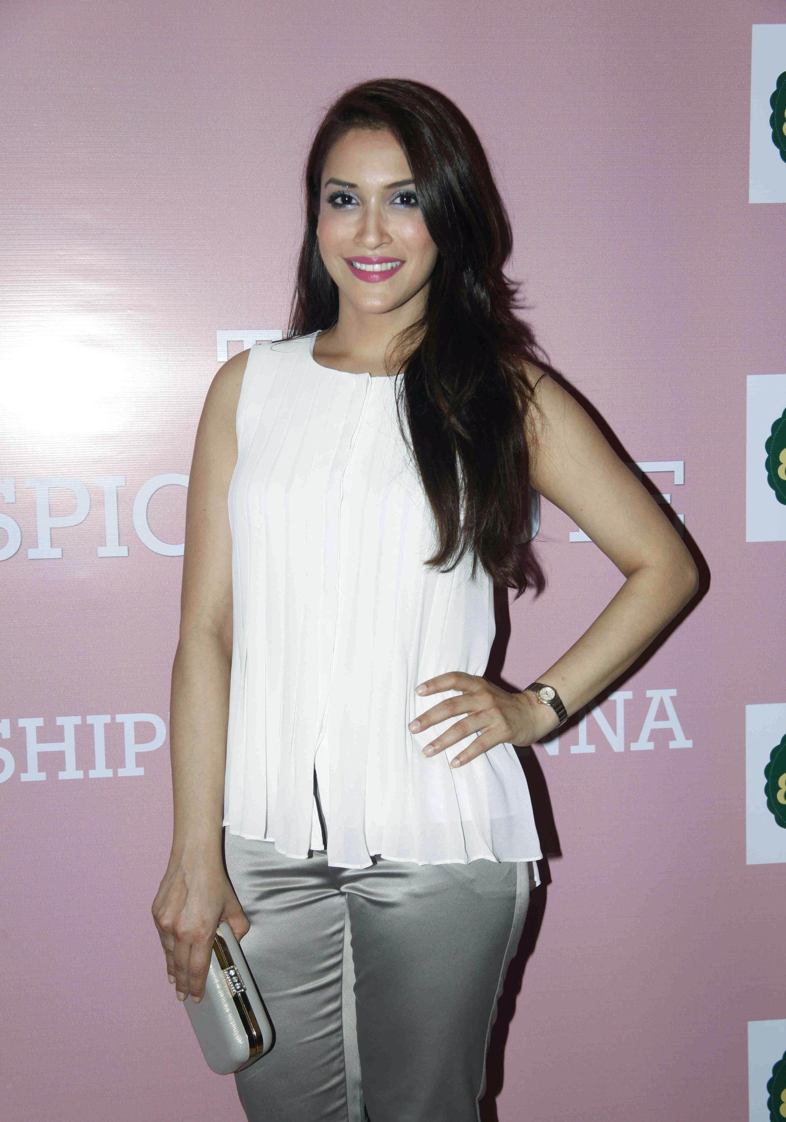 Rashmi Nigam hot pics