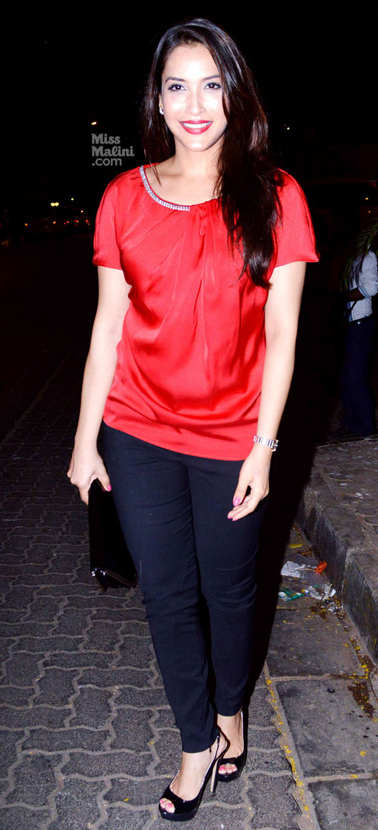 Rashmi Nigam sexy wallpapers