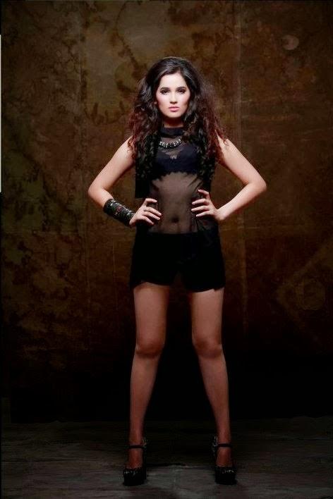 Sakshi Maggo sexy image