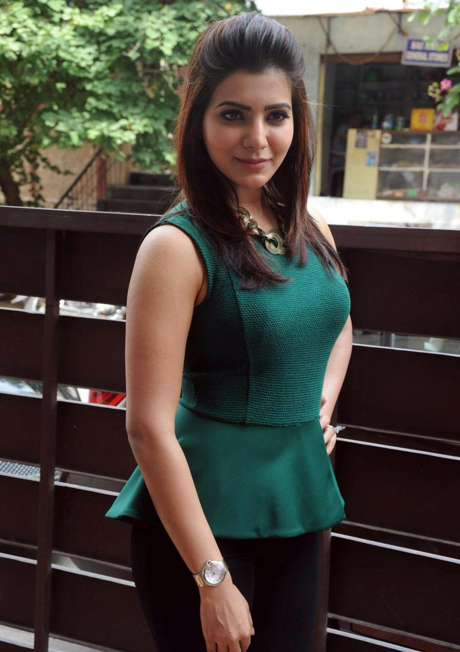 Samantha Hot HD Images and Photos