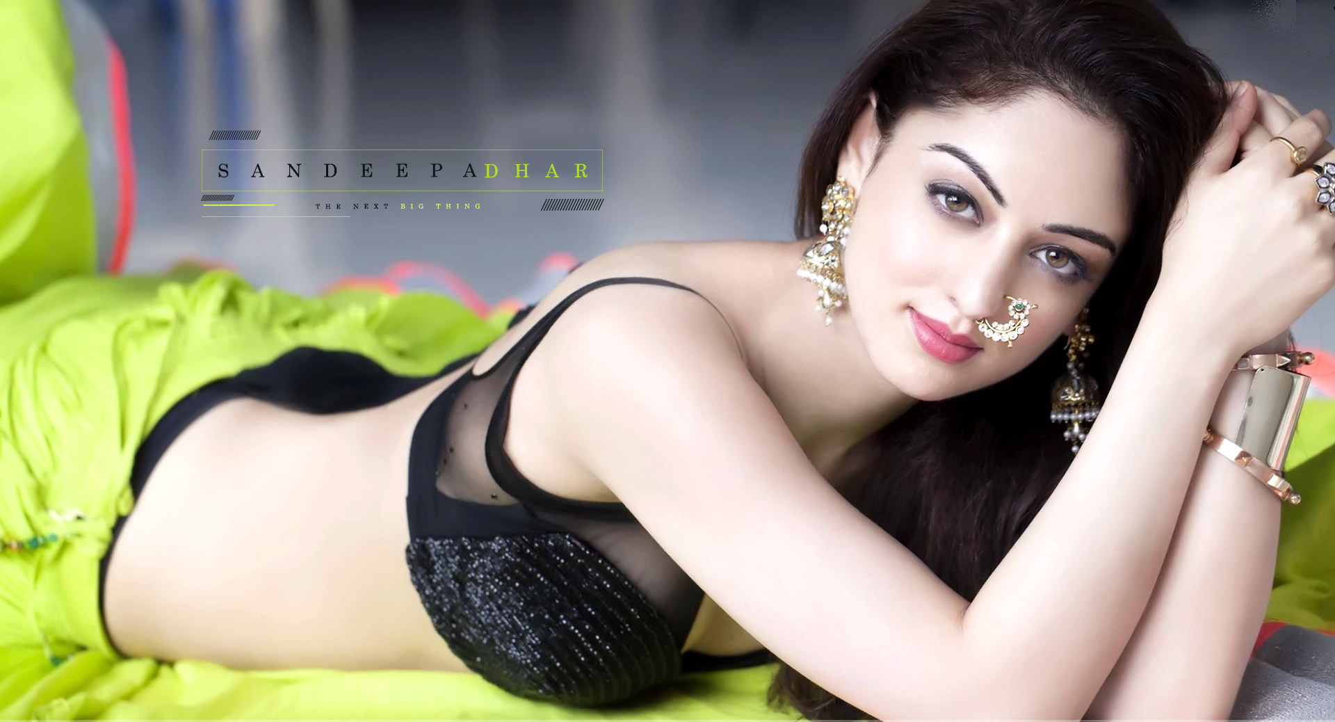 Sandeepa Dhar hot and sexy topless images