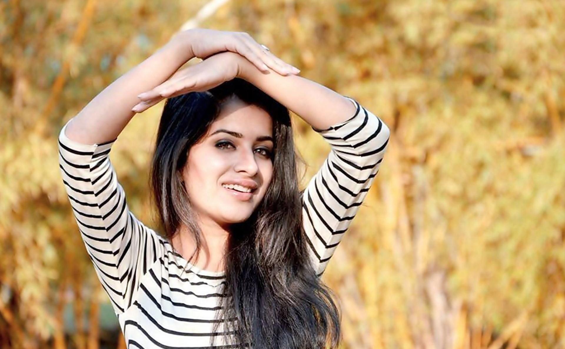 Sara Gurpal Hot photos
