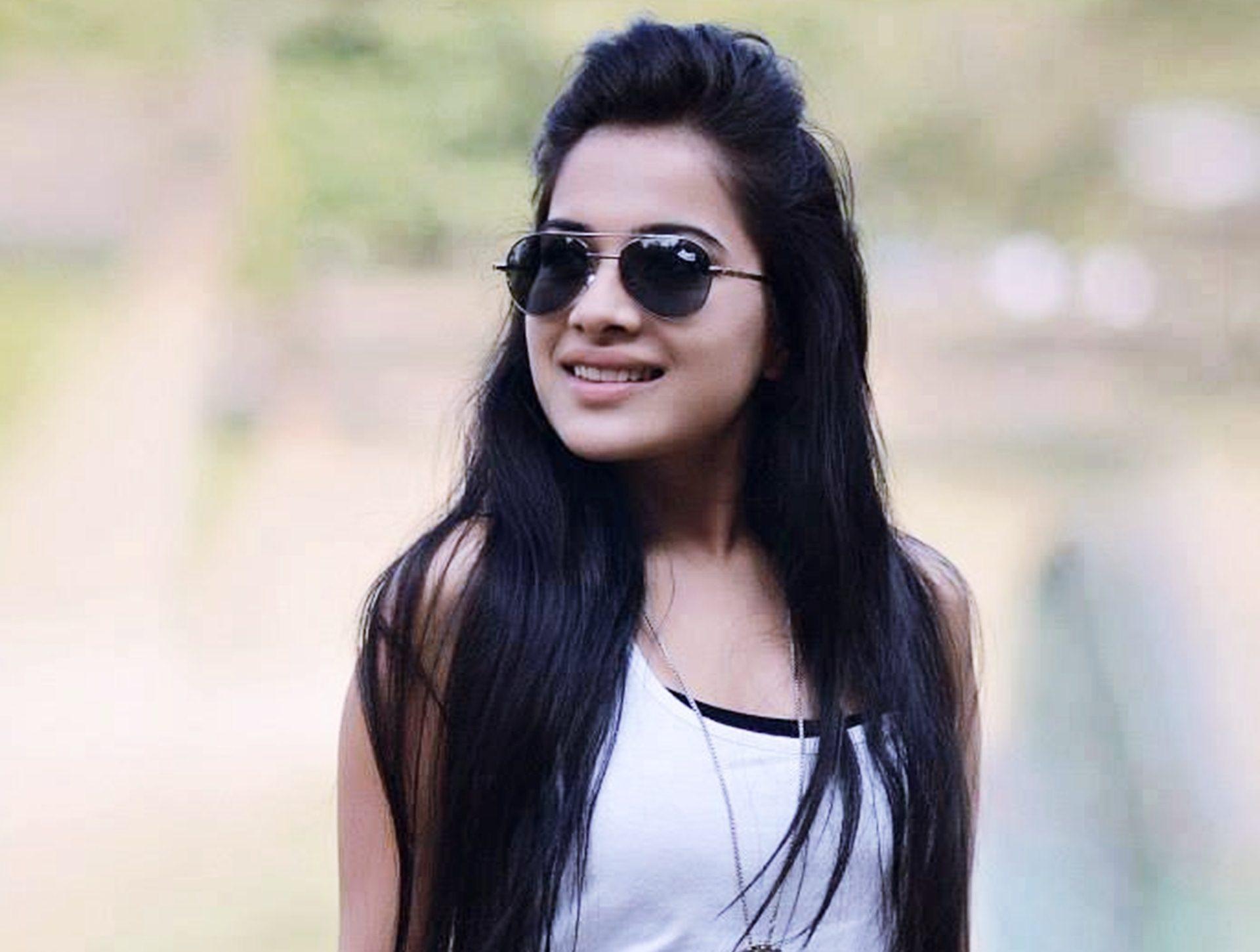 Sara Gurpal Hot wallpapers
