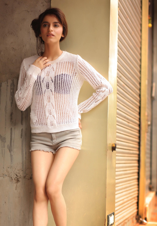 Serah Singh sexy pics in shorts