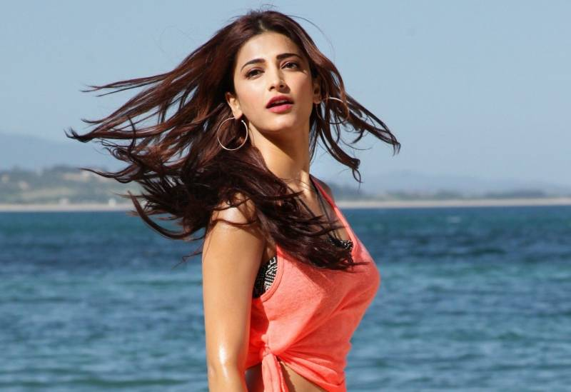 Shruti Haasan hot and sexy photos