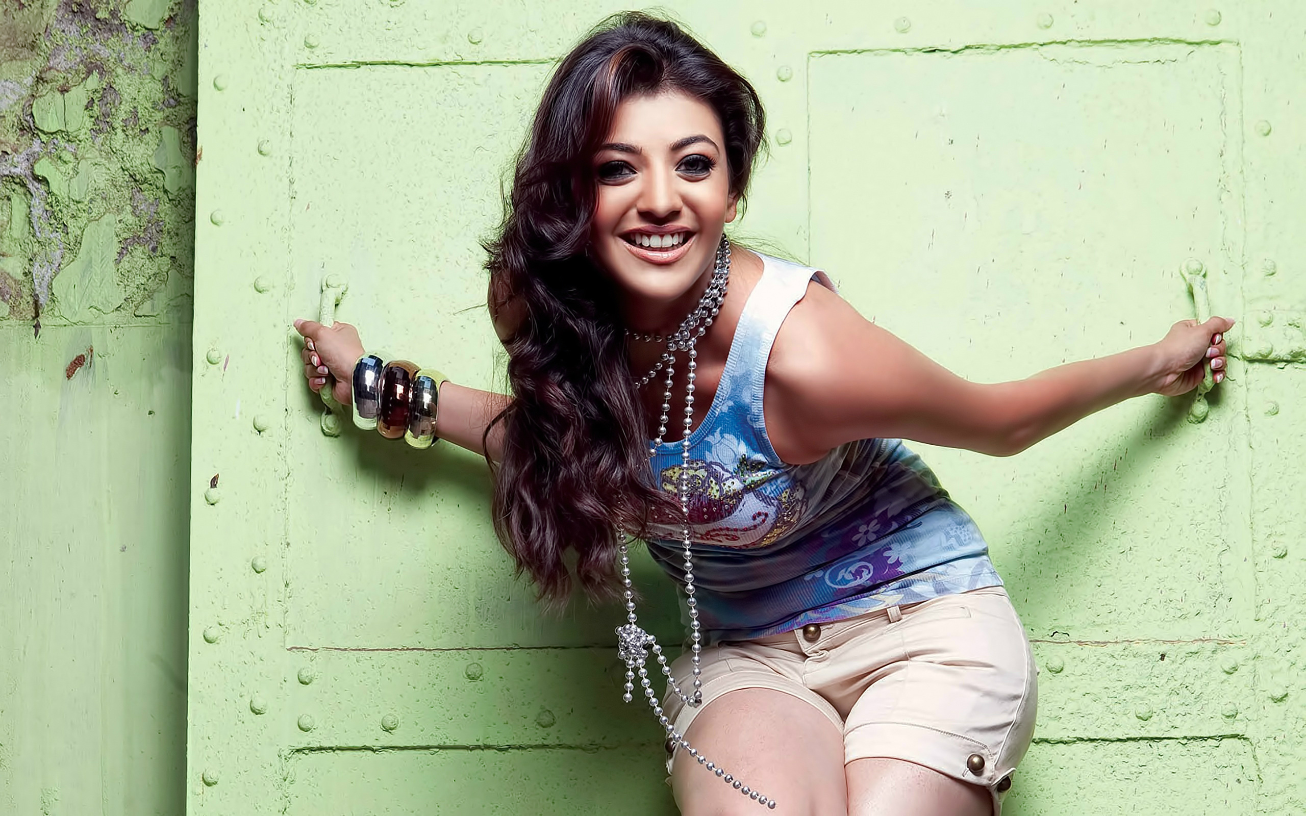 kajal agarwal hot images In Sexy pose