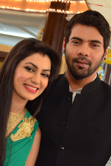 kumkum bhagya couple images