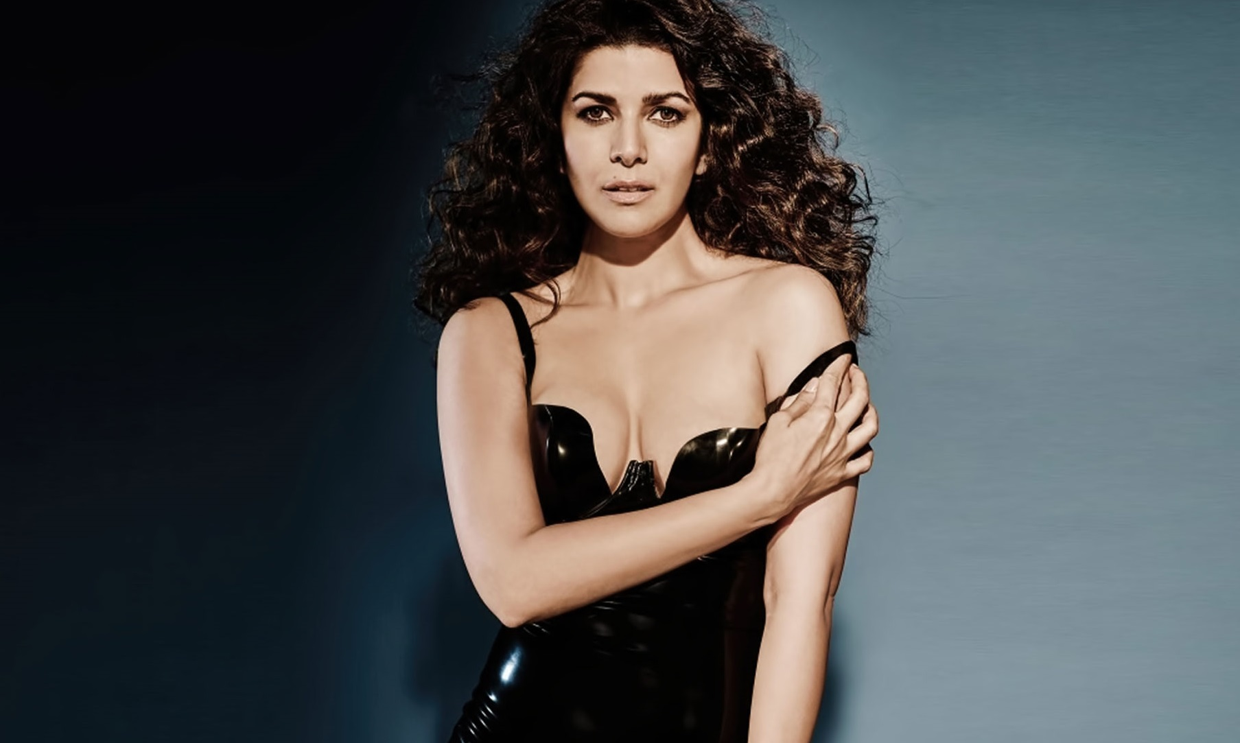 nimrat kaur hot in black dress