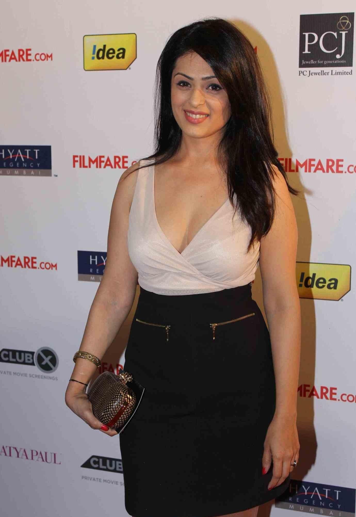 Anjana Sukhani sexy pose in bikini