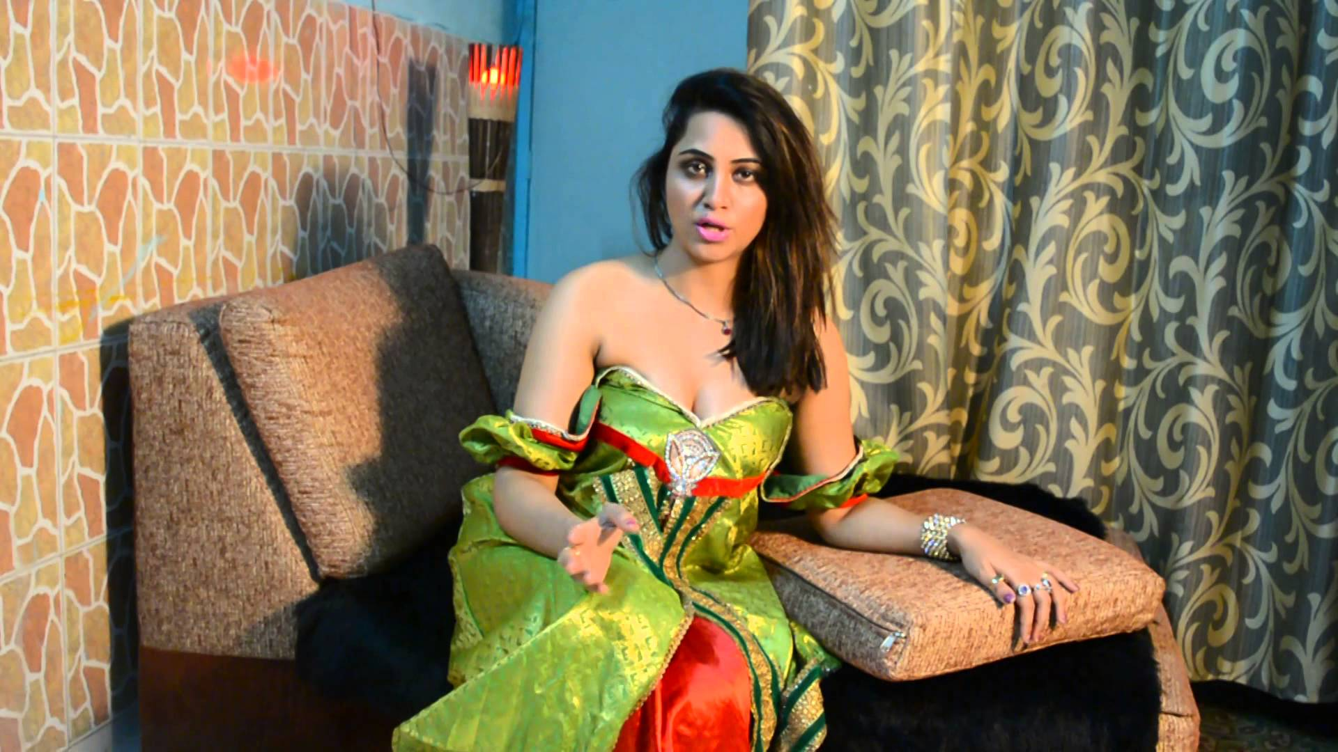 Arshi Khan hot and sexy images