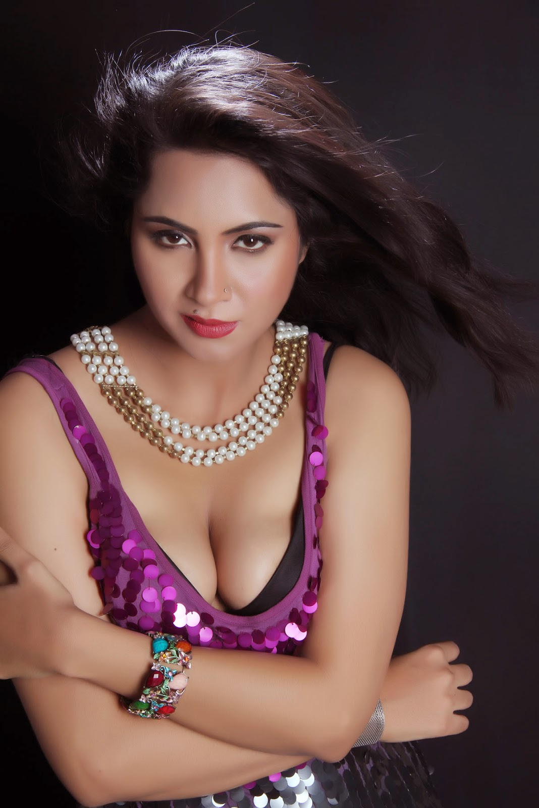 Arshi Khan hot photos