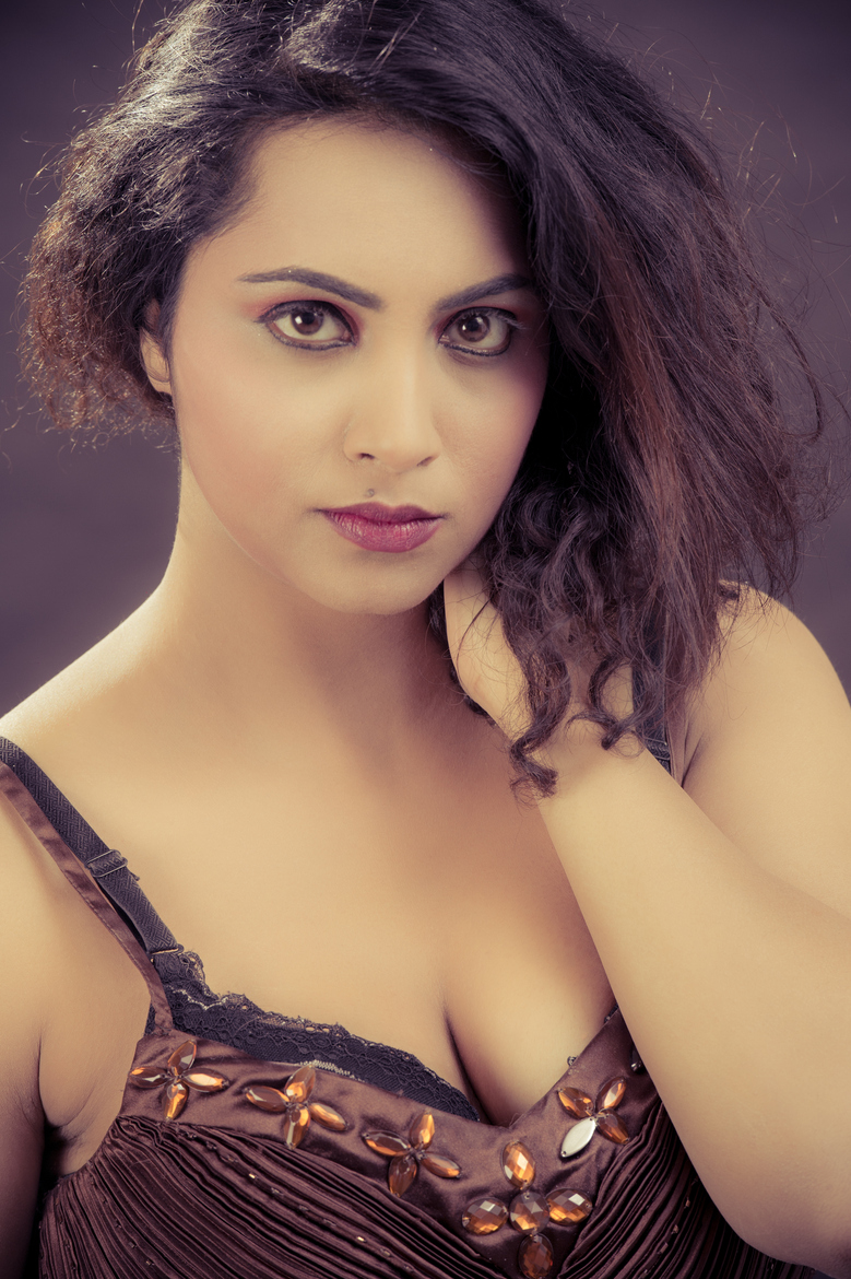 Arshi Khan sexy images