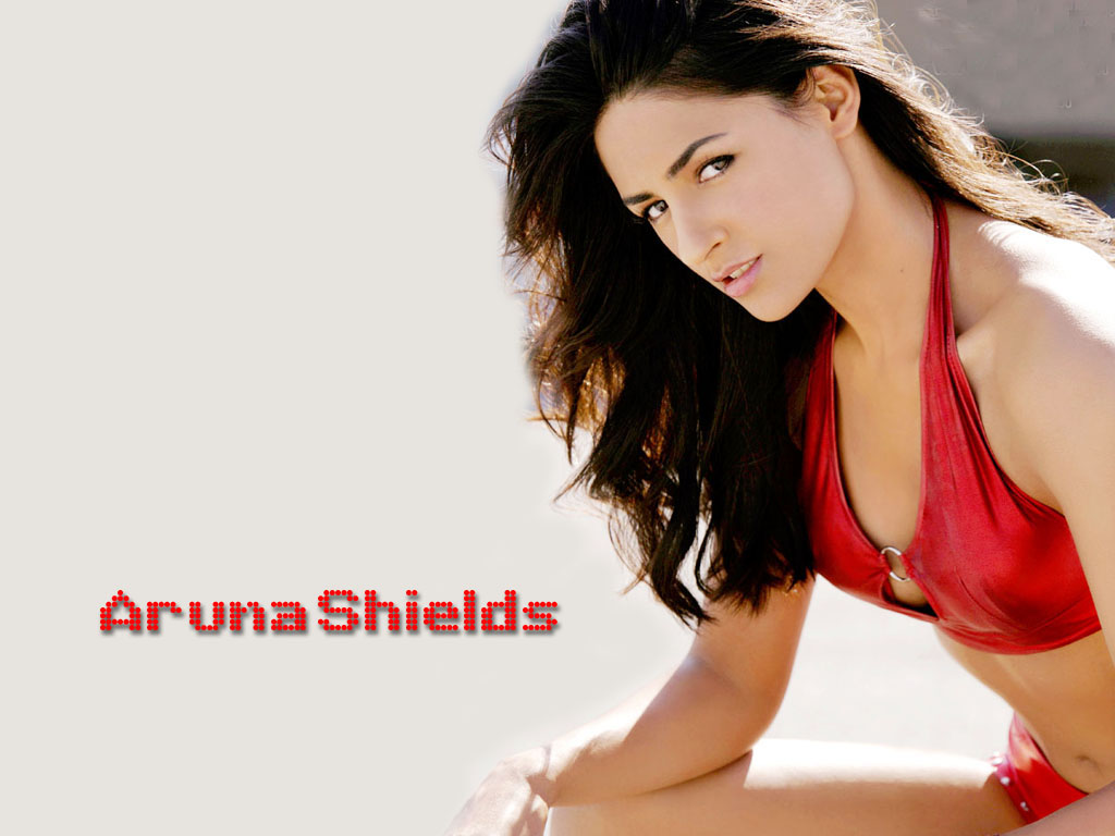 Aruna Shields hot in bra penty