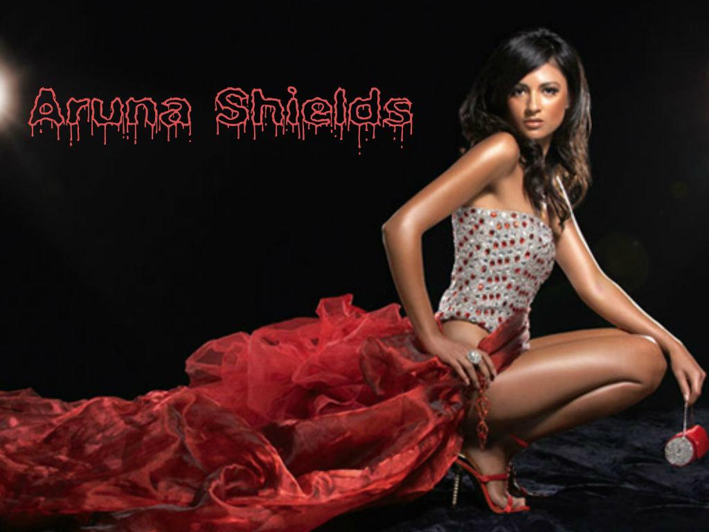 Aruna Shields hot spicy image