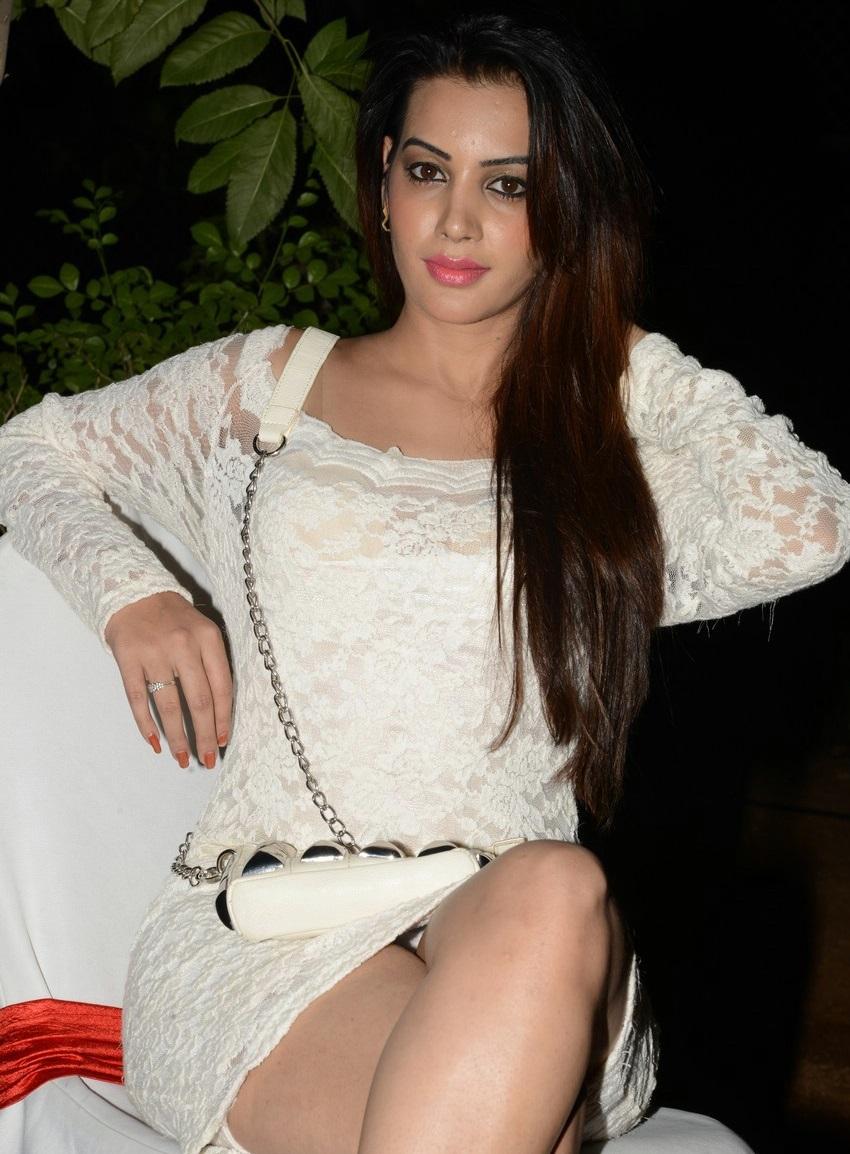Deeksha Panth hot in white dress