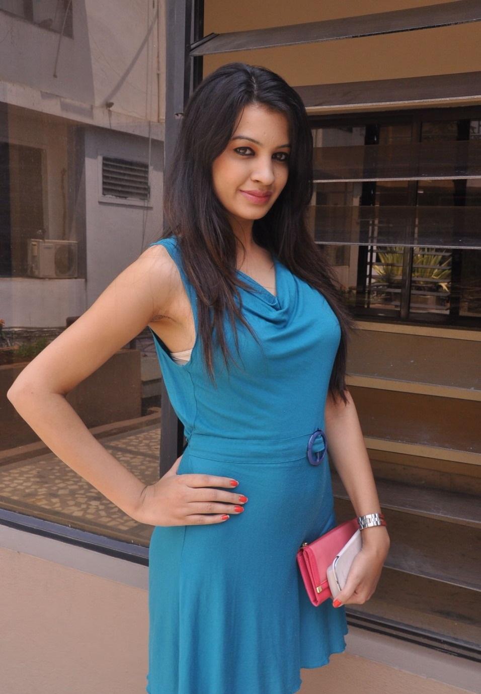 Deeksha Panth sexy pics