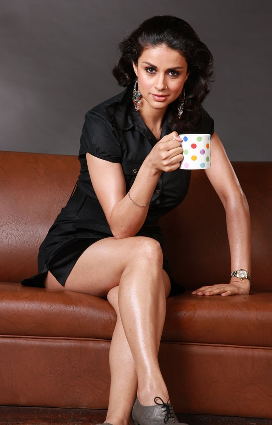 Gul Panag hot and sexy legs