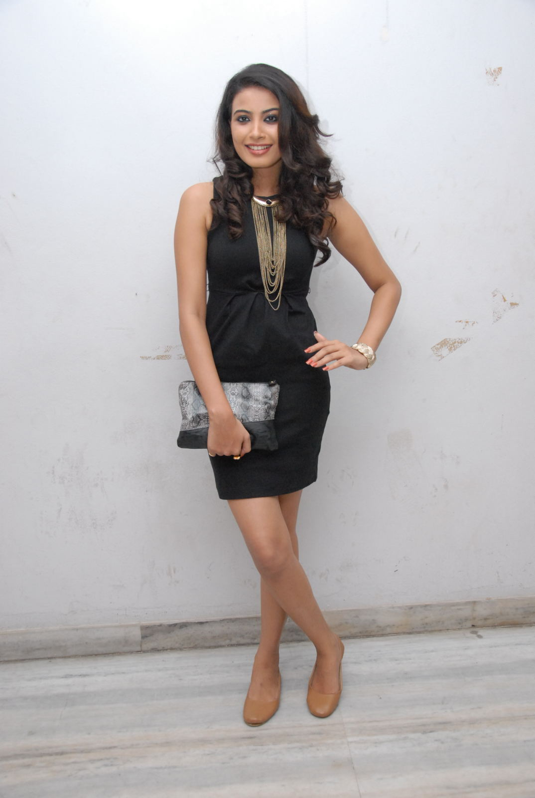 Kavya Shetty hot and cute pics