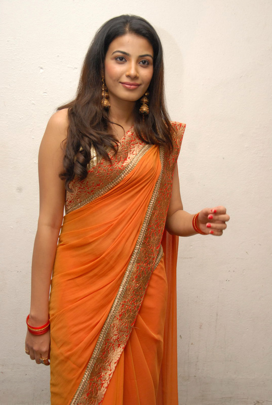Kavya Shetty hot in saree