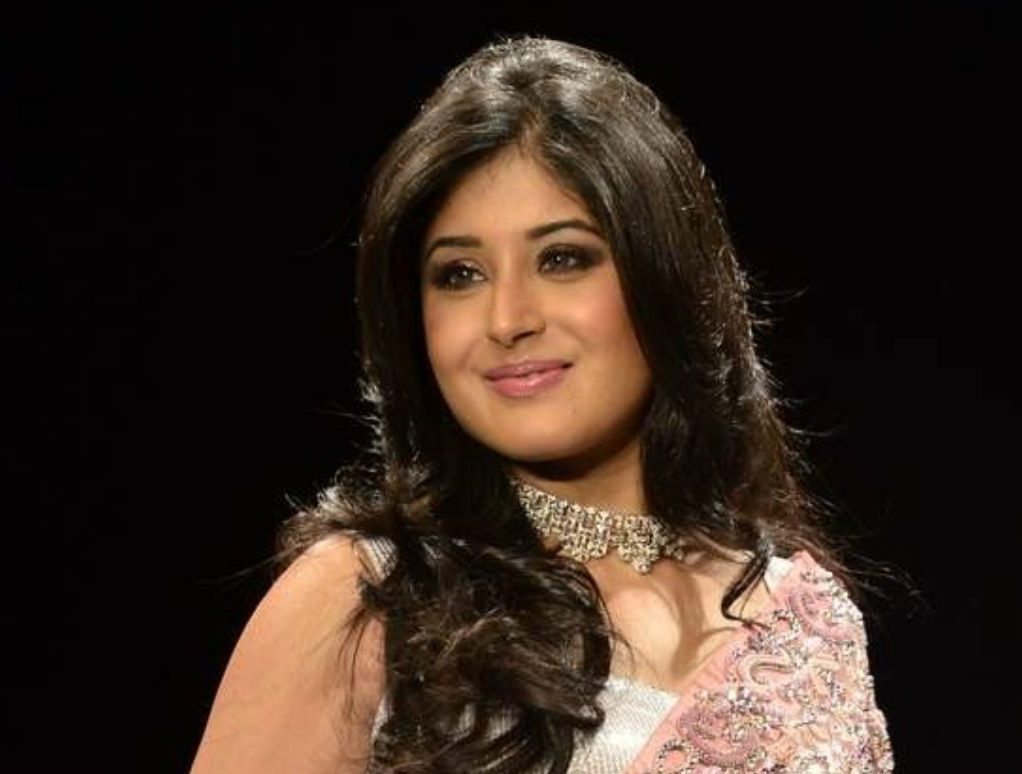 Kritika kamra hot and sexy pics