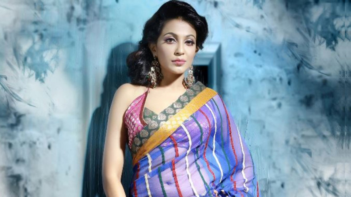 Parvathy Nair hot and sizzling photos