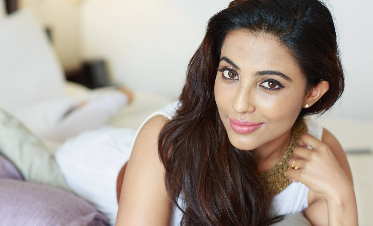 Parvathy Nair hot topless photos
