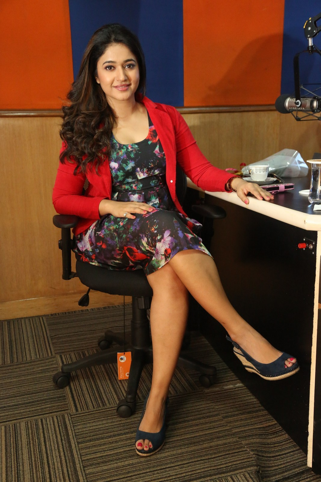 Poonam Bajwa hot images in tights