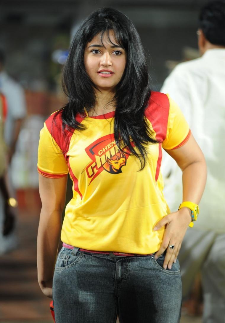 Poonam Bajwa hot spicy images