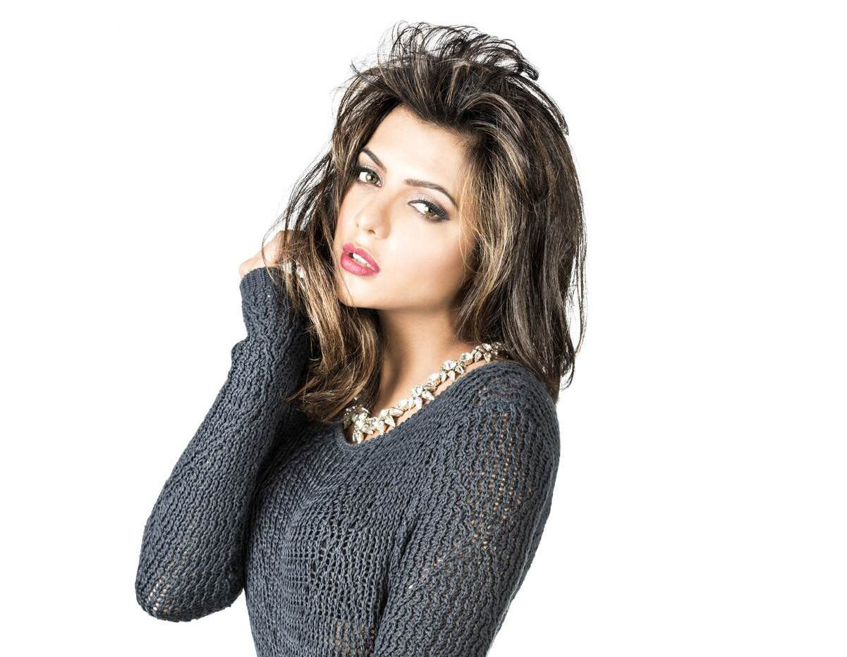 Ruhi Singh sexy wallpapers