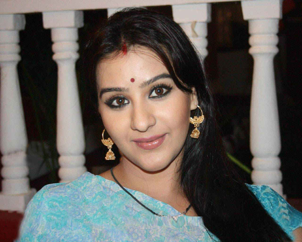 Shilpa Shinde as Koel Narayan in Chidiya Ghar