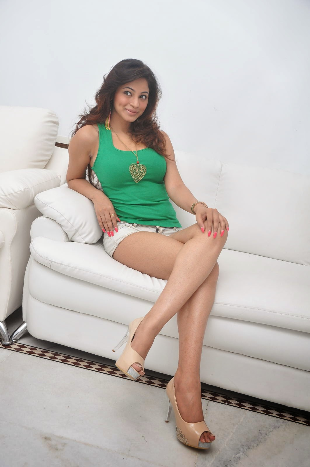 Shilpi Sharma sexy stills in tights