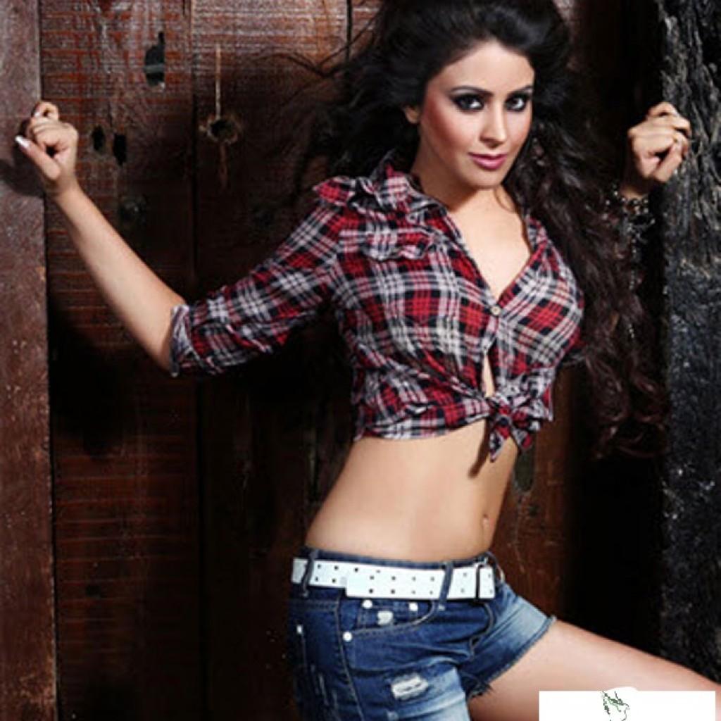 Shobhita Rana unseen hot pics