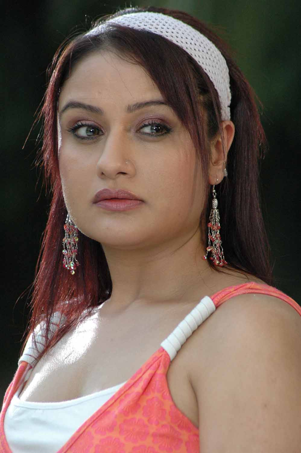 Sonia Agarwal sexy pictures
