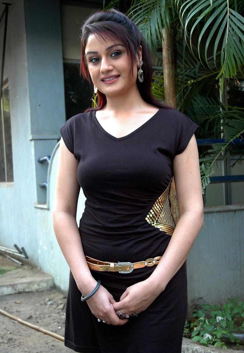 Sinia Agarwal Hot