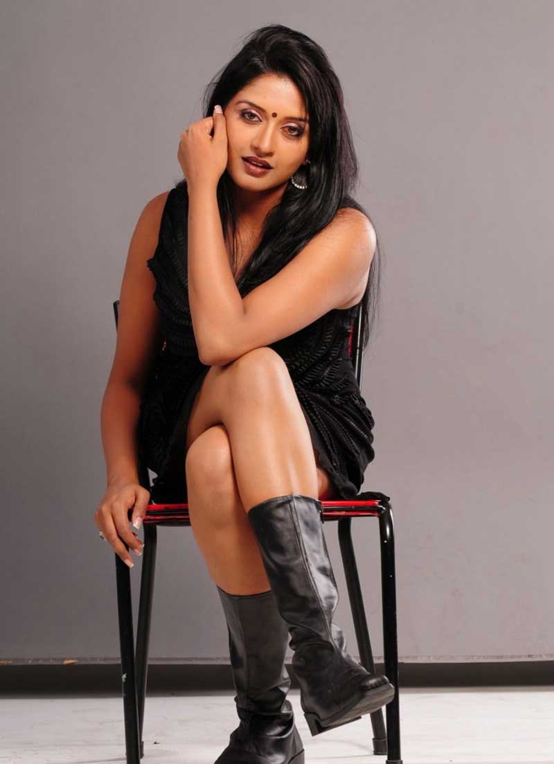 Vimala Raman New Photo Shoot Pics