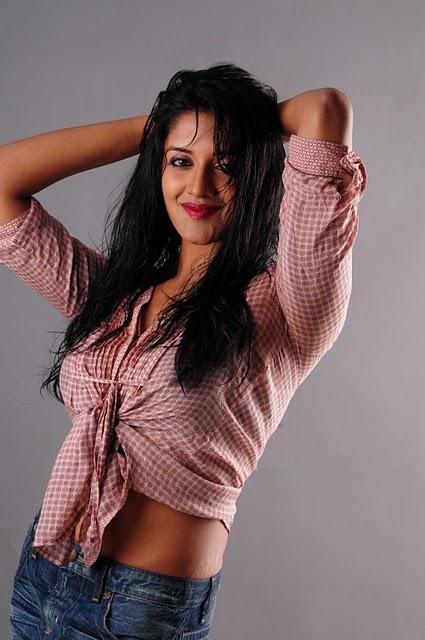 Vimala Raman hot wallpaper