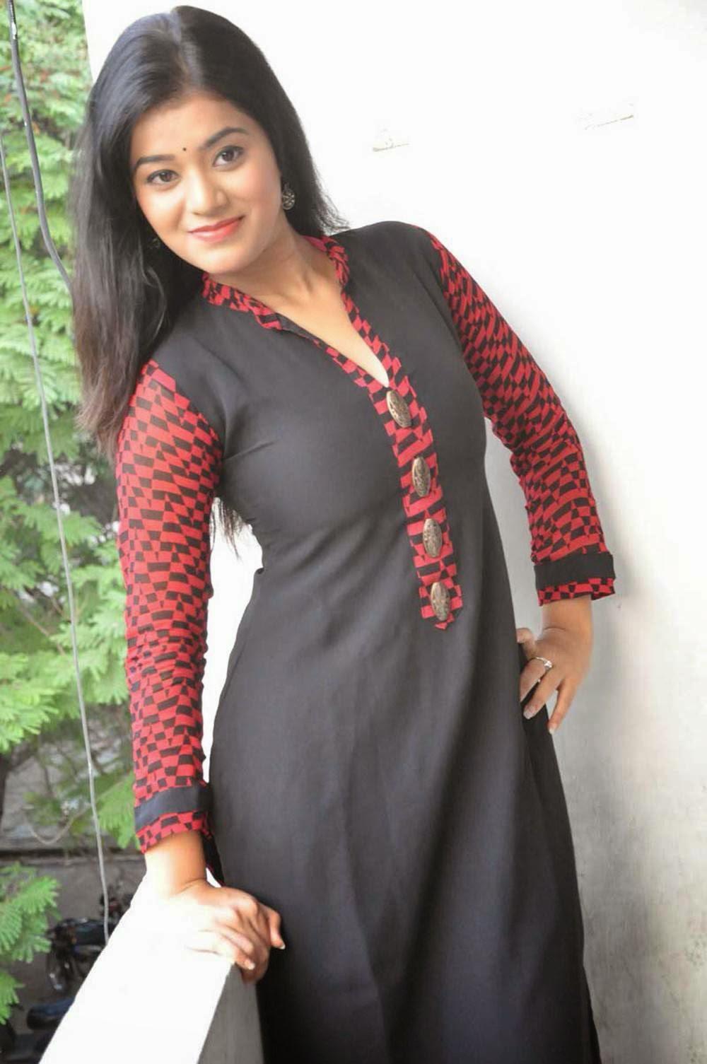 Yamini Bhaskar hot and sexy pics