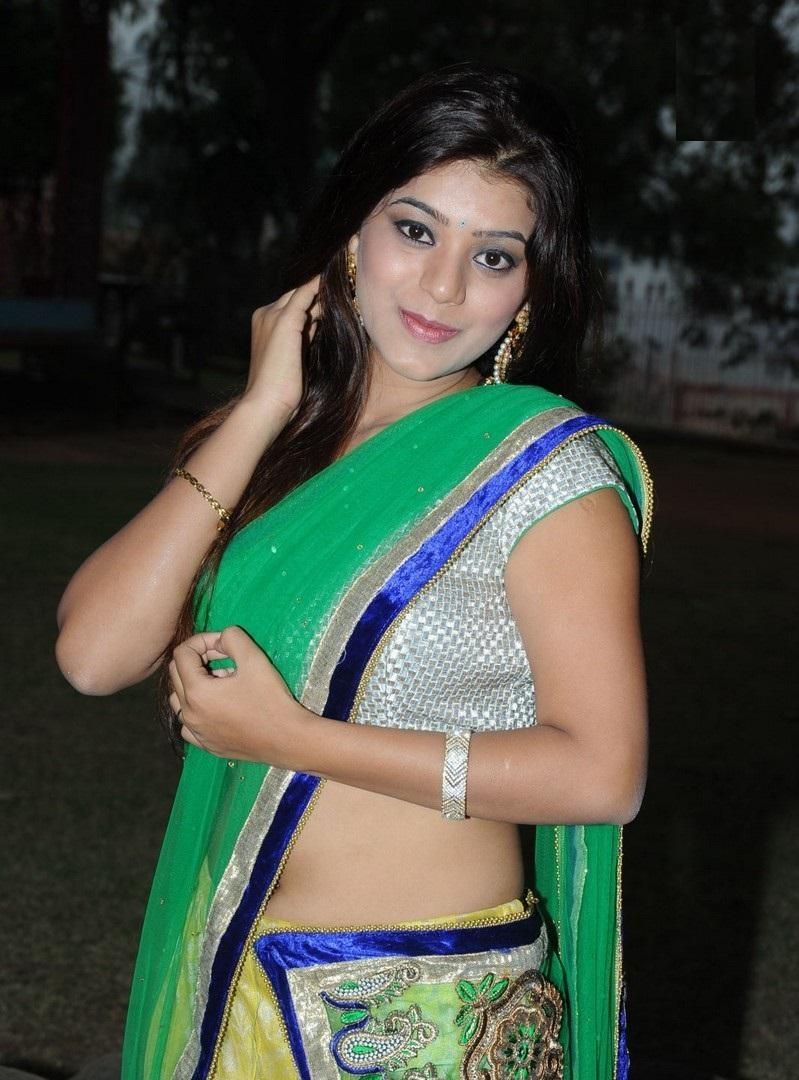 Yamini Bhaskar hot images