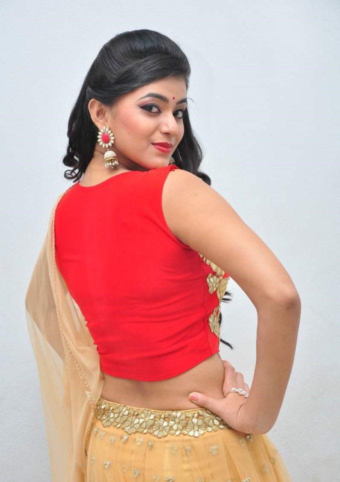 Yamini Bhaskar hot in backless dress
