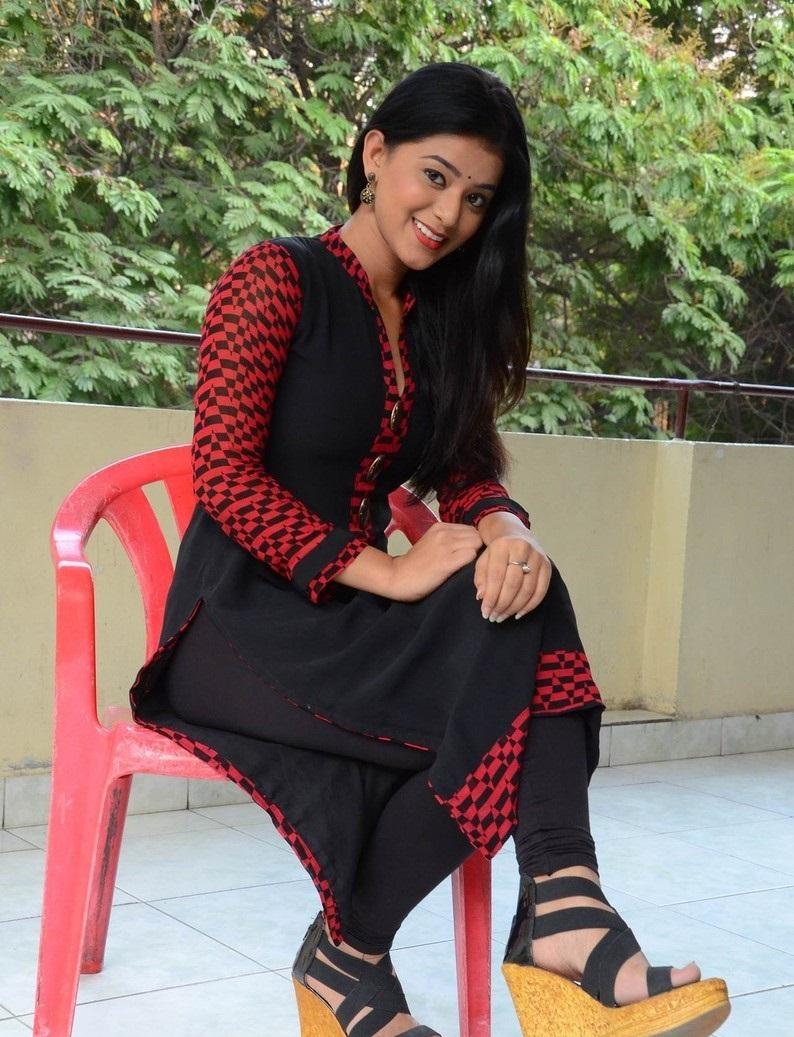 Yamini Bhaskar hot in black dress