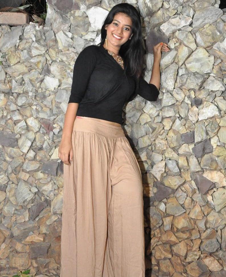 Yamini Bhaskar hot pics in bikini