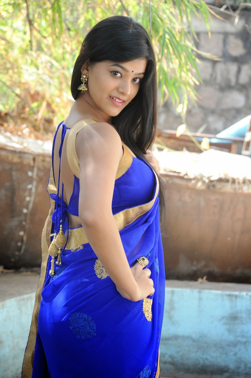 Yamini Bhaskar hot stills