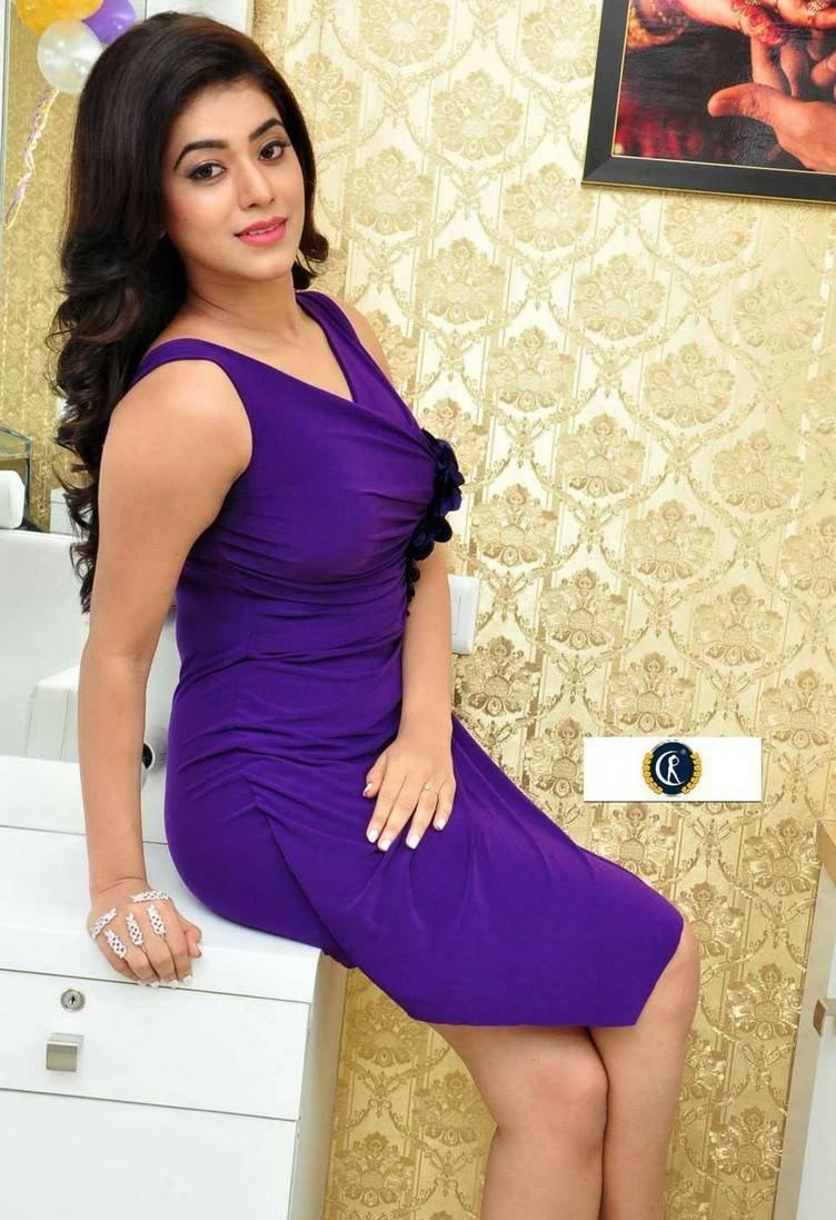 Yamini Bhaskar sexy photos