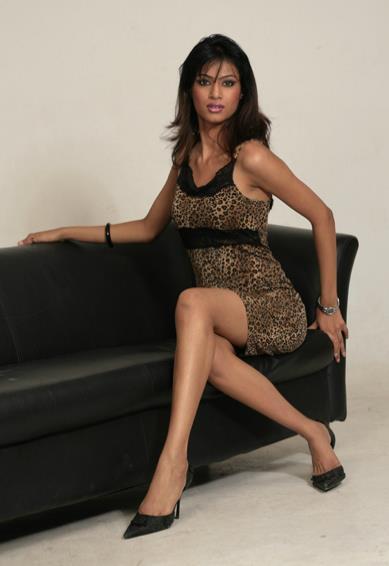 Zara Shah sexy photos