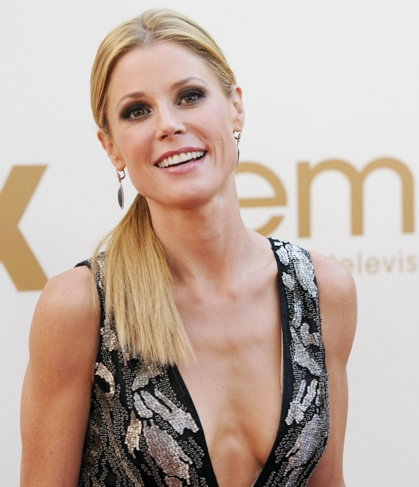 hot pics of julie-bowen