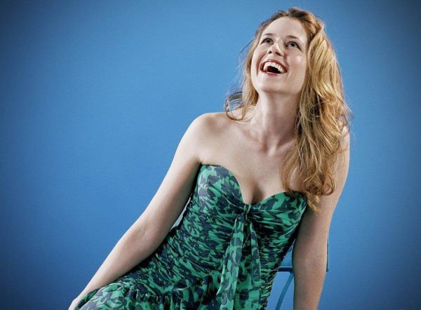 jenna fischer hot cute smile