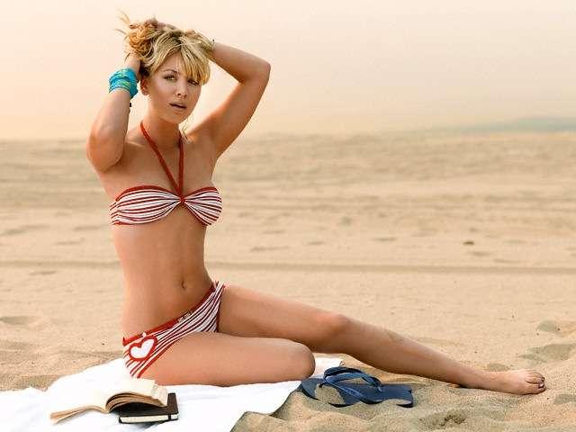 kaley cuoco bikini look unseen