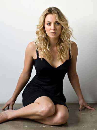 kaley cuoco sexy look