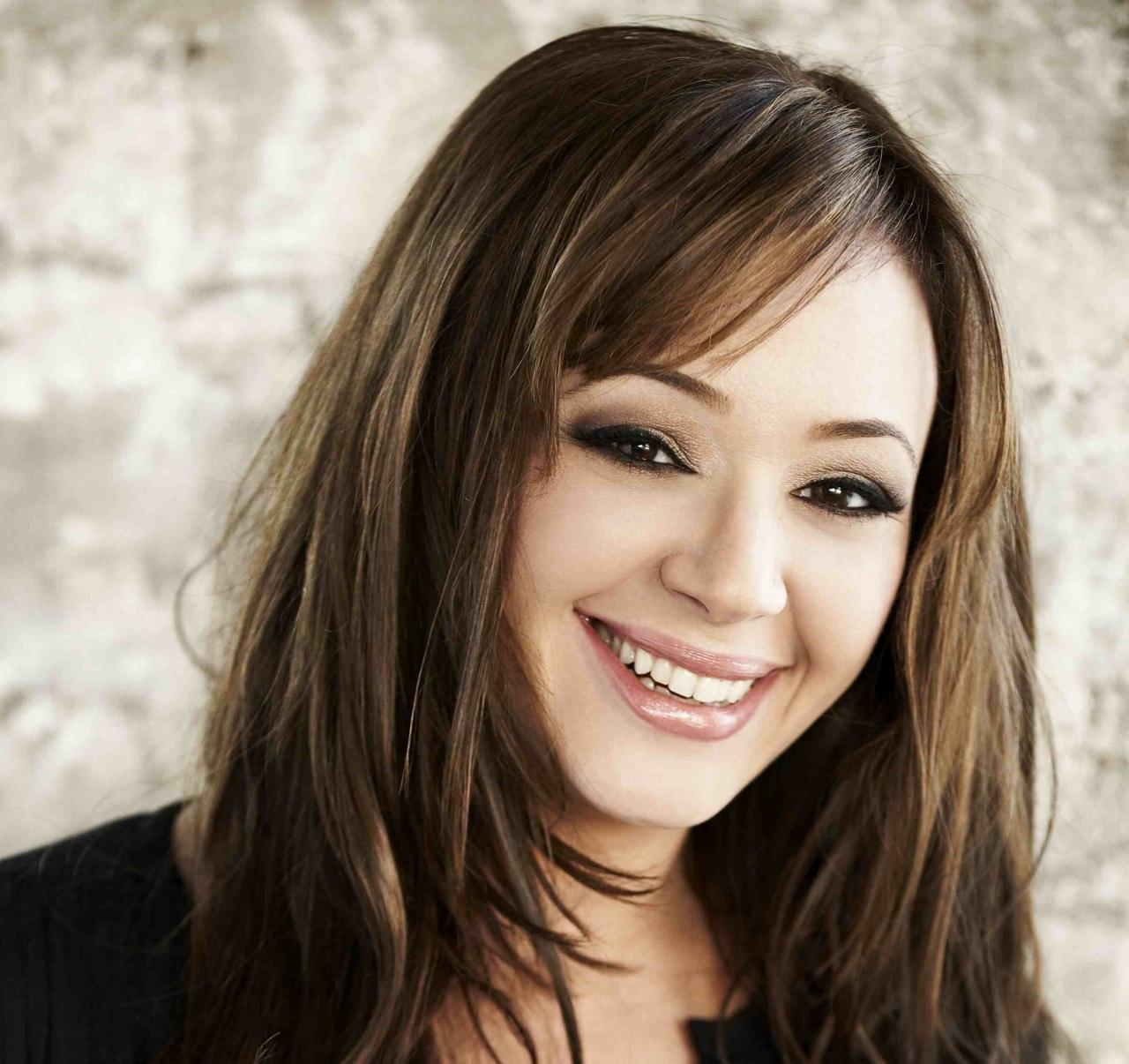 leah remini hot cute smile images