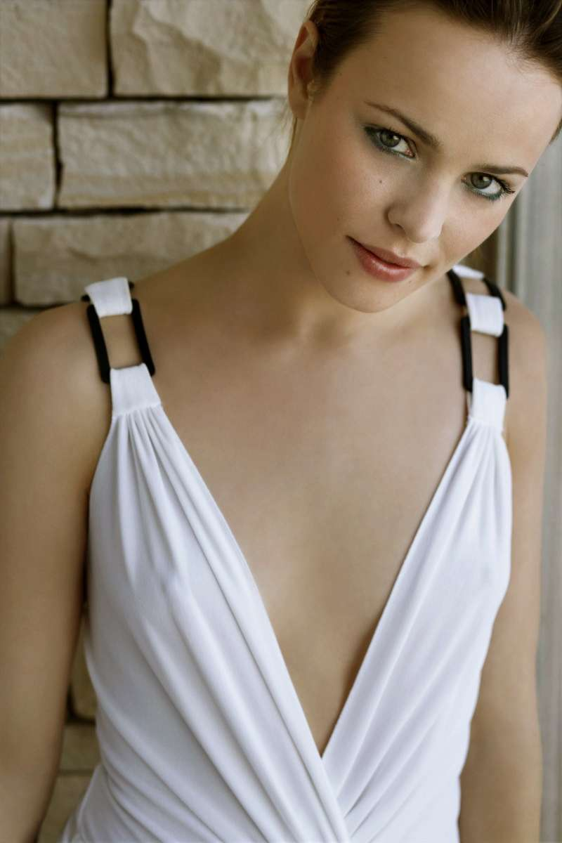 rachel-mcadams-hot-and-sexy